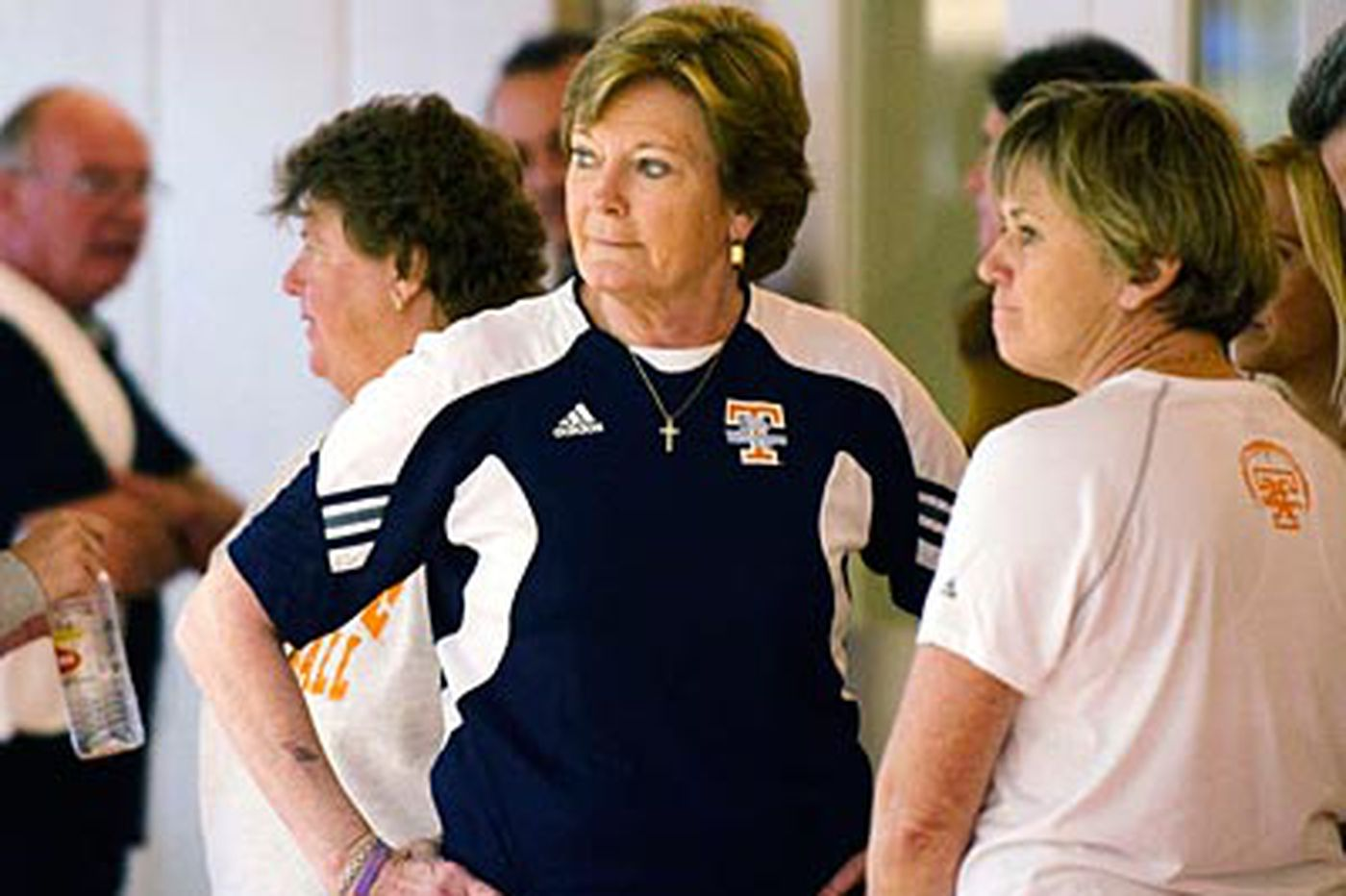 "Thousands show up to ""back"" Pat Summitt"