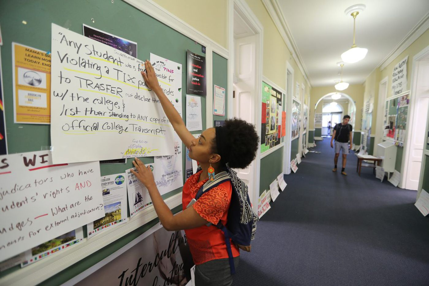 Swarthmore dean, focus of student protests, resigns