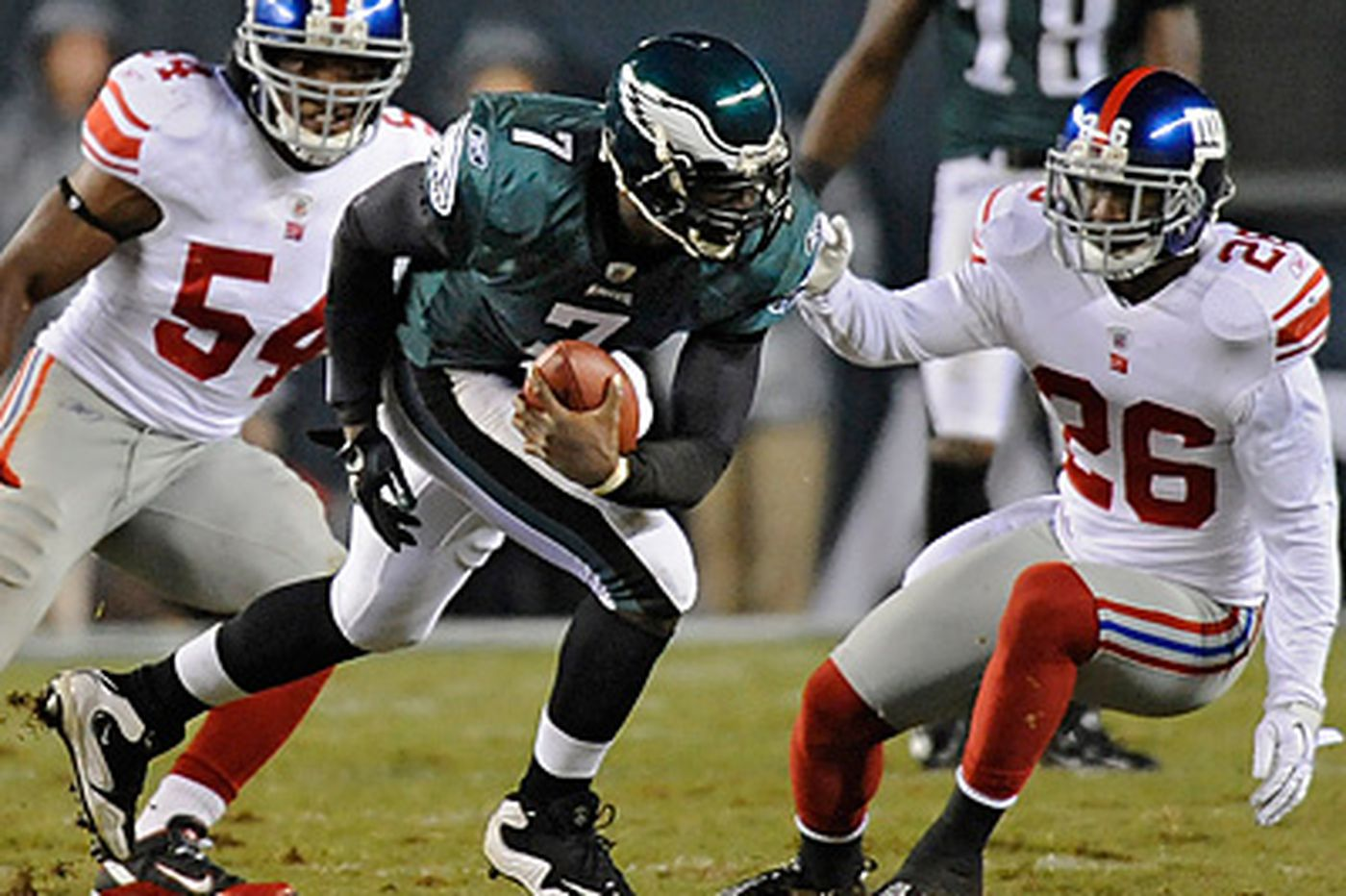 Ashley Fox: Giants look to contain Vick again