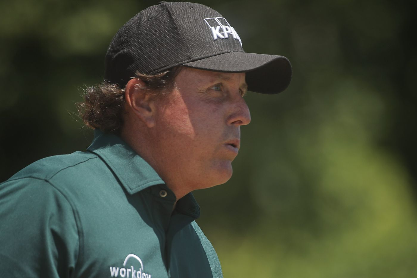 Phil Mickelson flirts with U.S. Open disqualification by hitting moving golf ball