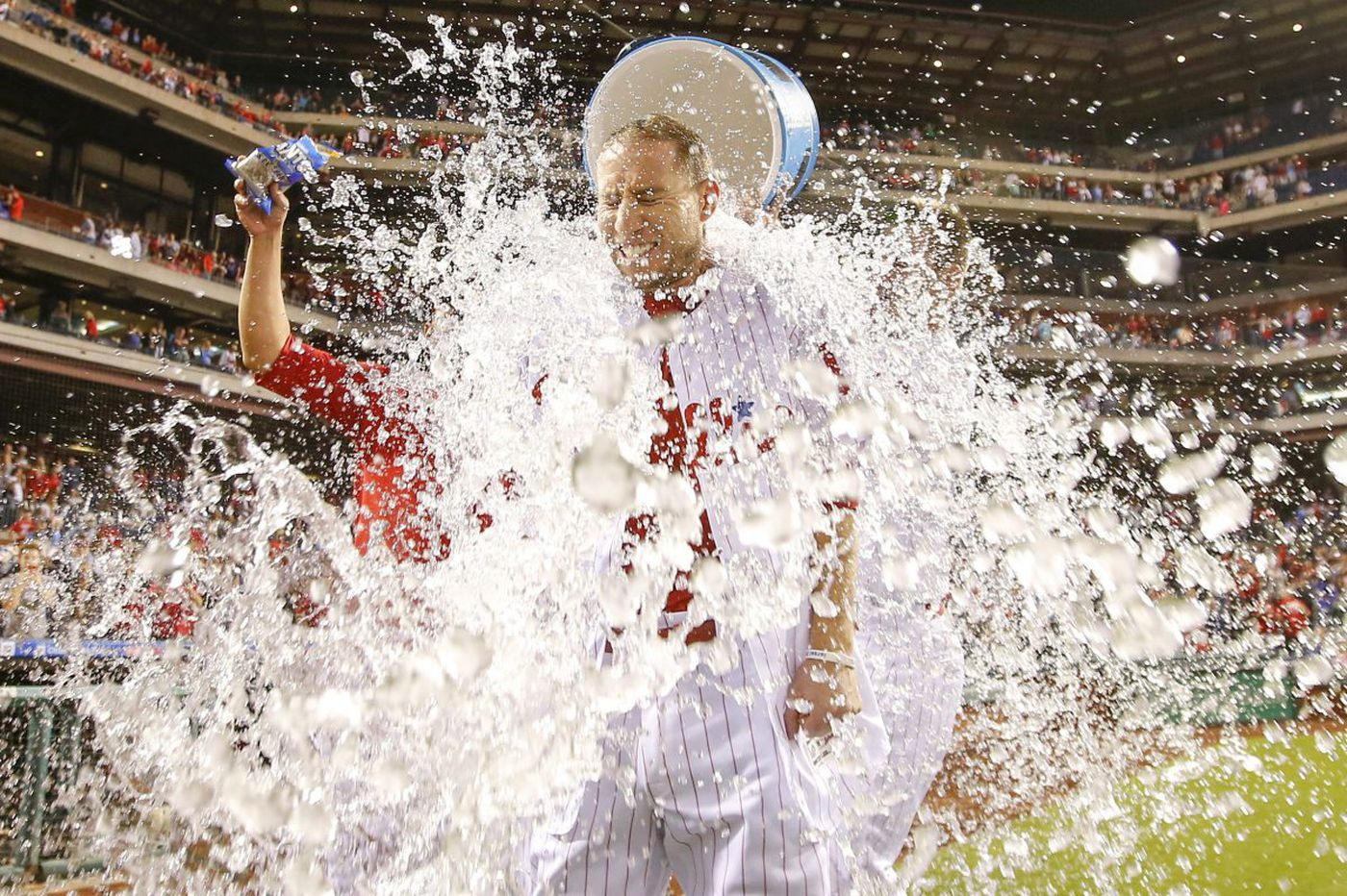 Ty Kelly's walk-off single lifts Phillies over Braves, 4-3 in 11 innings