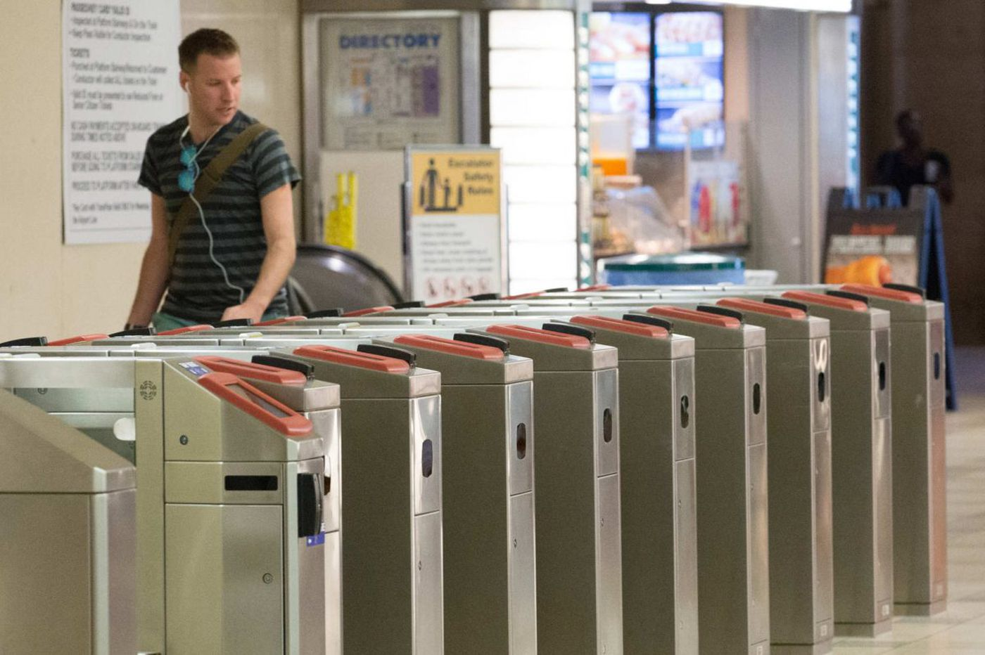 There's no getting around the clumsy design of SEPTA's new fare gates | Inga Saffron