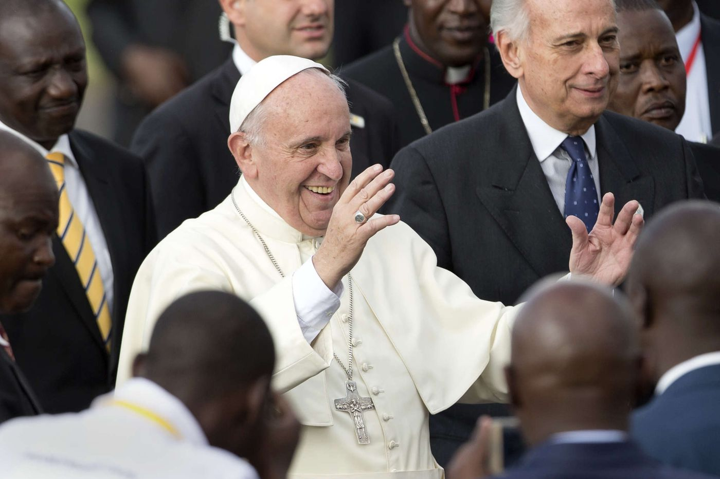 Pope Francis starts Africa trip in Nairobi