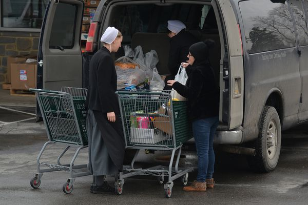 Drivers make a living 'haulin' Amish' in rural Pa.