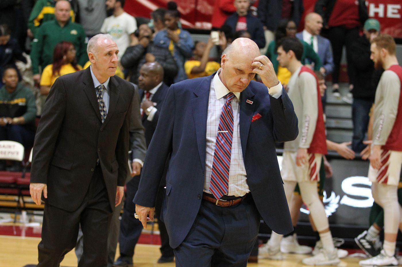 George Mason blows out Saint Joseph's in Atlantic 10 opener