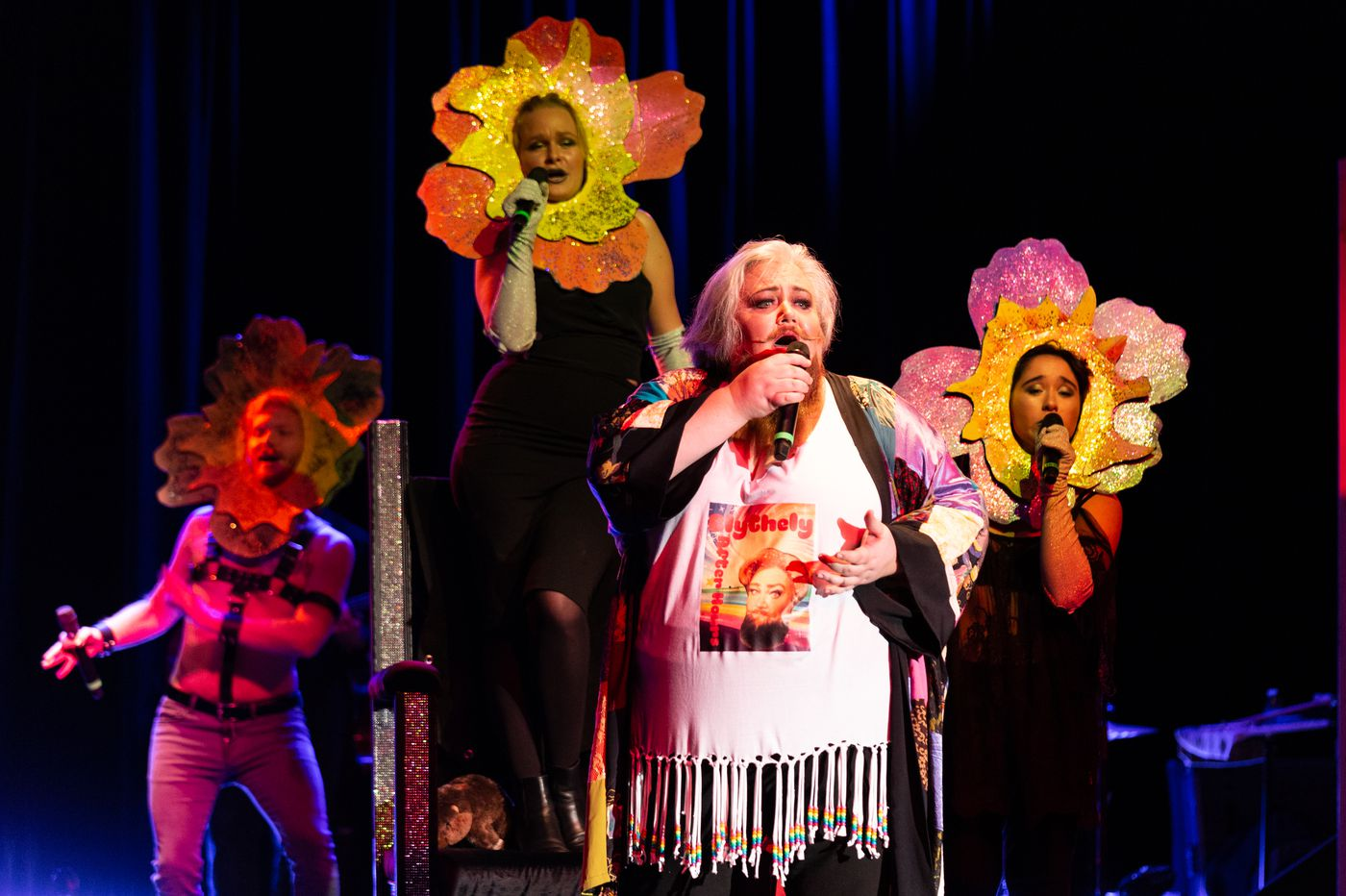Festival O18 in drag: Mozart, the Carpenters, sequins, and killer heels