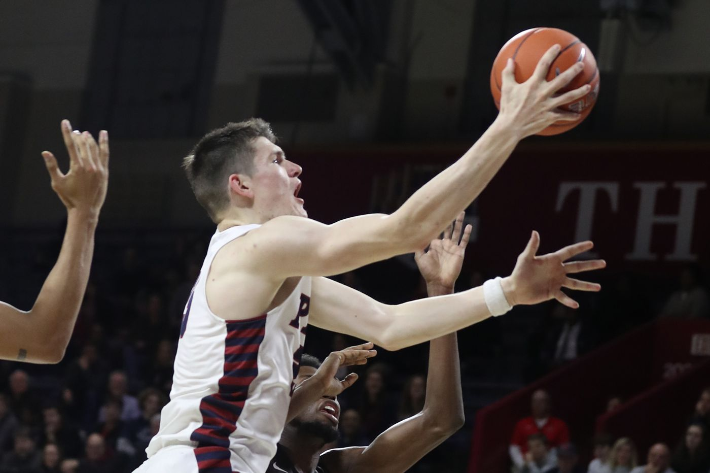 Penn tops Brown, 73-68, to keep Ivy tourney hopes alive