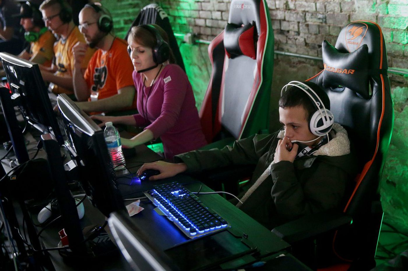 Comcast tweets out a call for Overwatch gamers and a crowd appears in Northern Liberties