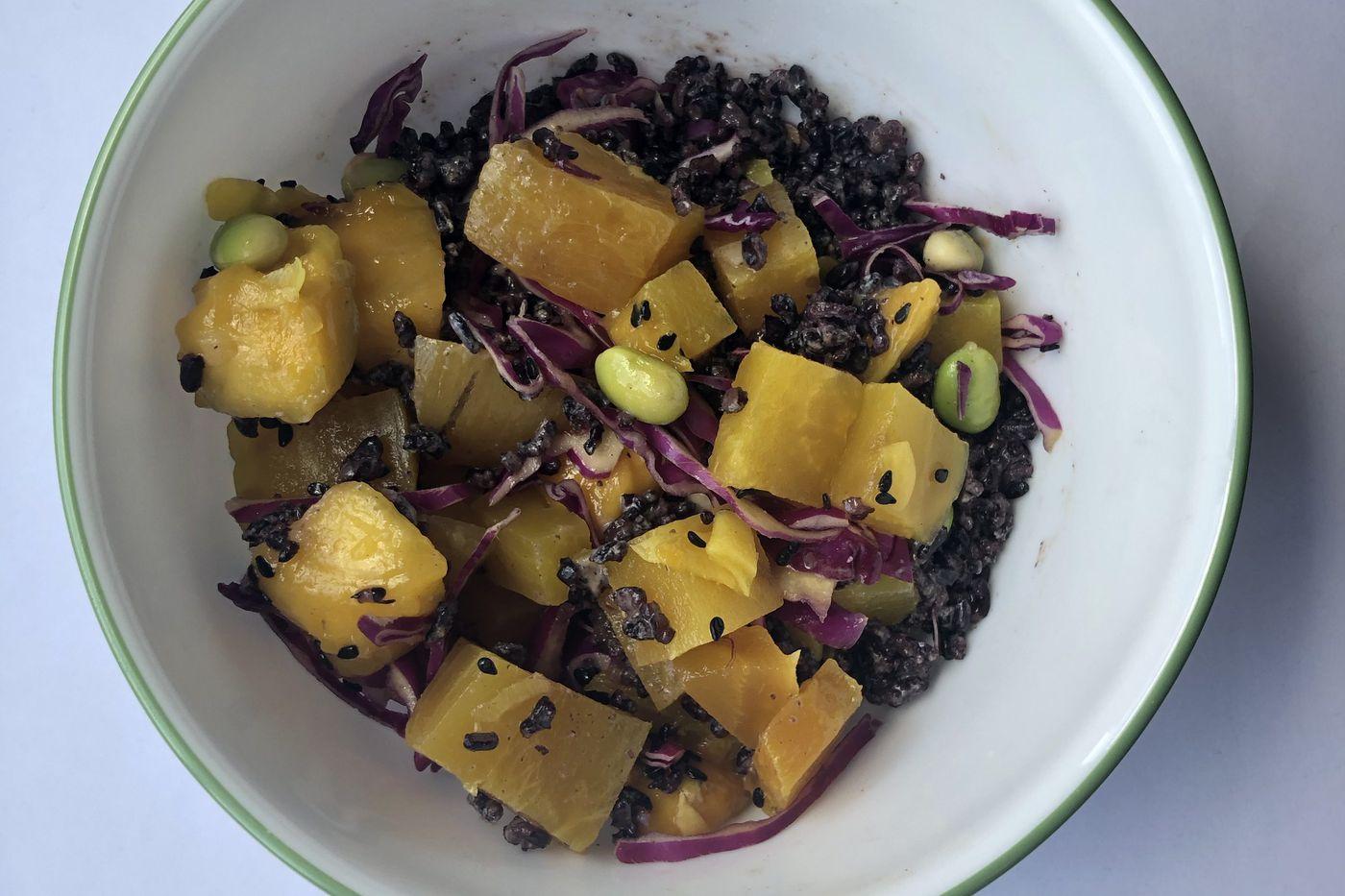 Vegan 'poke' bowls with mango and beets
