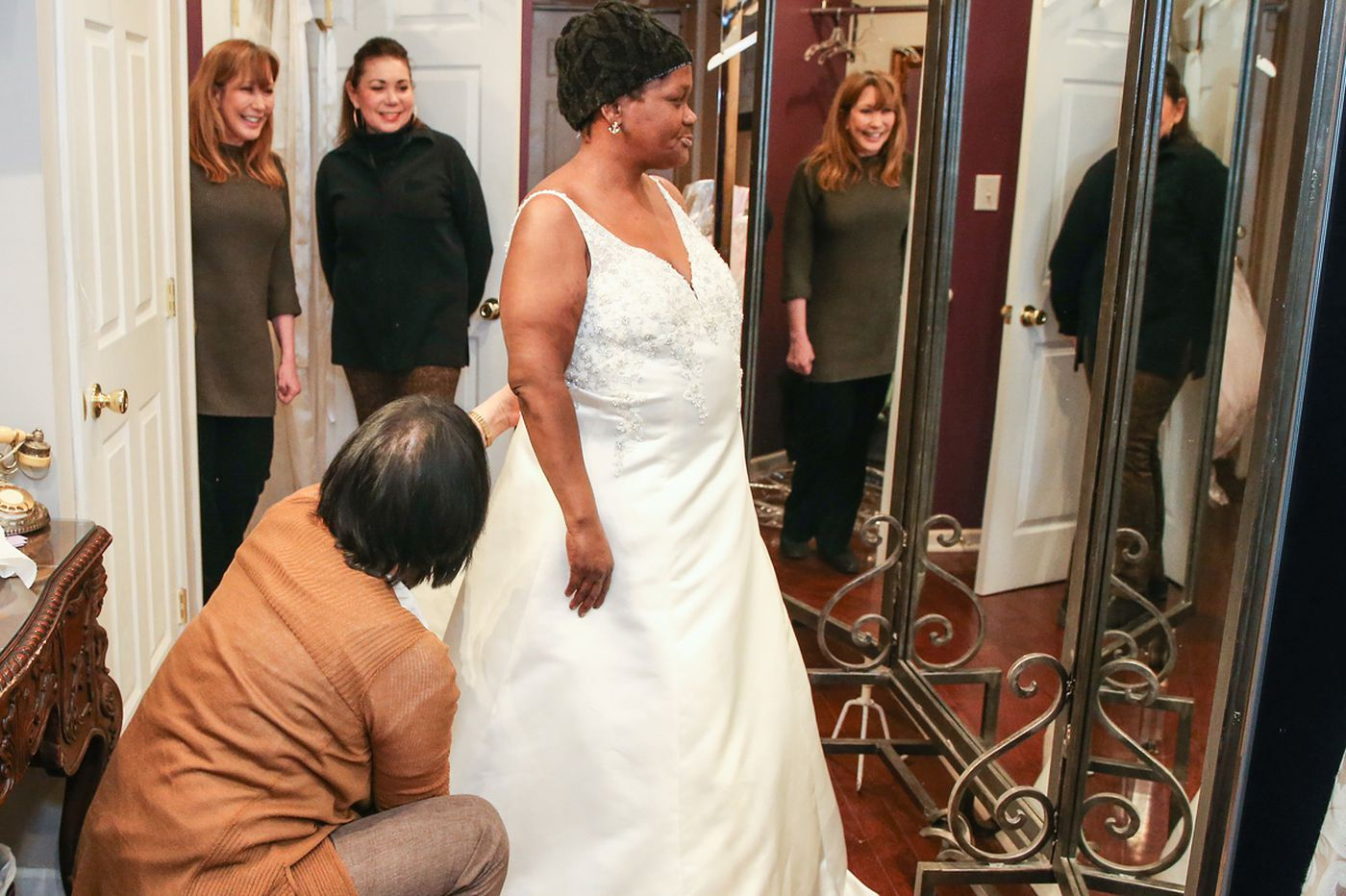 Good Samaritans plan a wedding for a homeless couple