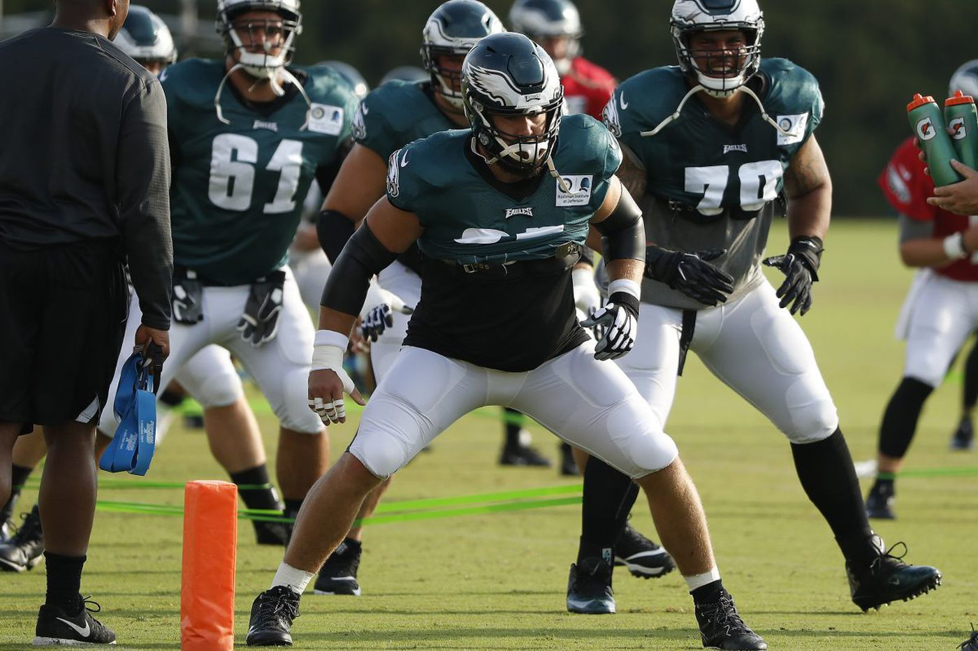 Key to offensive line, Eagles center Jason Kelce looking to snap back