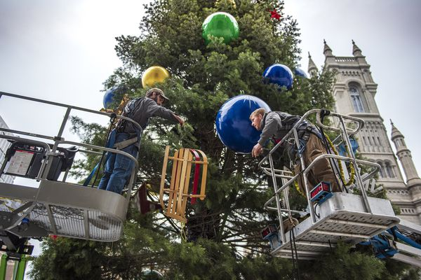 Philadelphia does it up big for the holidays