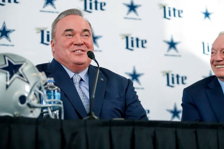 Jerry Jones, right, and head coach Mike McCarthy weren't smiling when the Cowboys missed the playoffs last season.