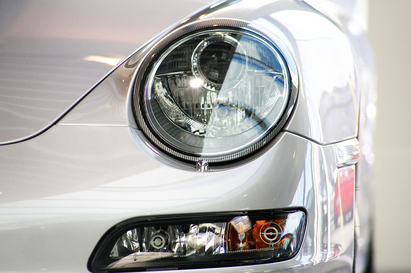 Motormouth: No matter what the cost, replace burnt-out headlights immediately