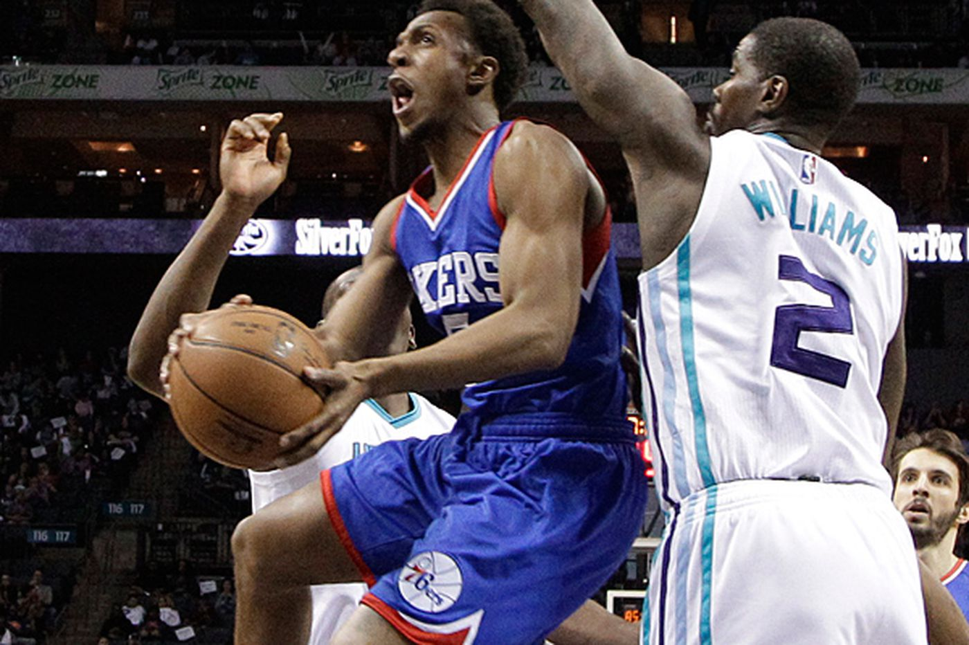 Noel suffers cut eyelid as Sixers fall to Hornets