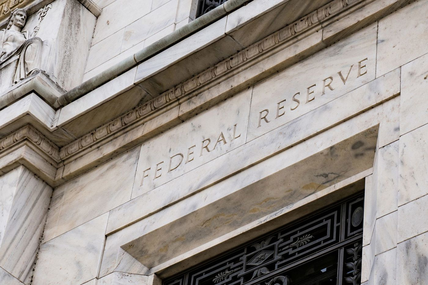Fed to give $500 billion to large companies, won't require them to preserve jobs or limit exec pay