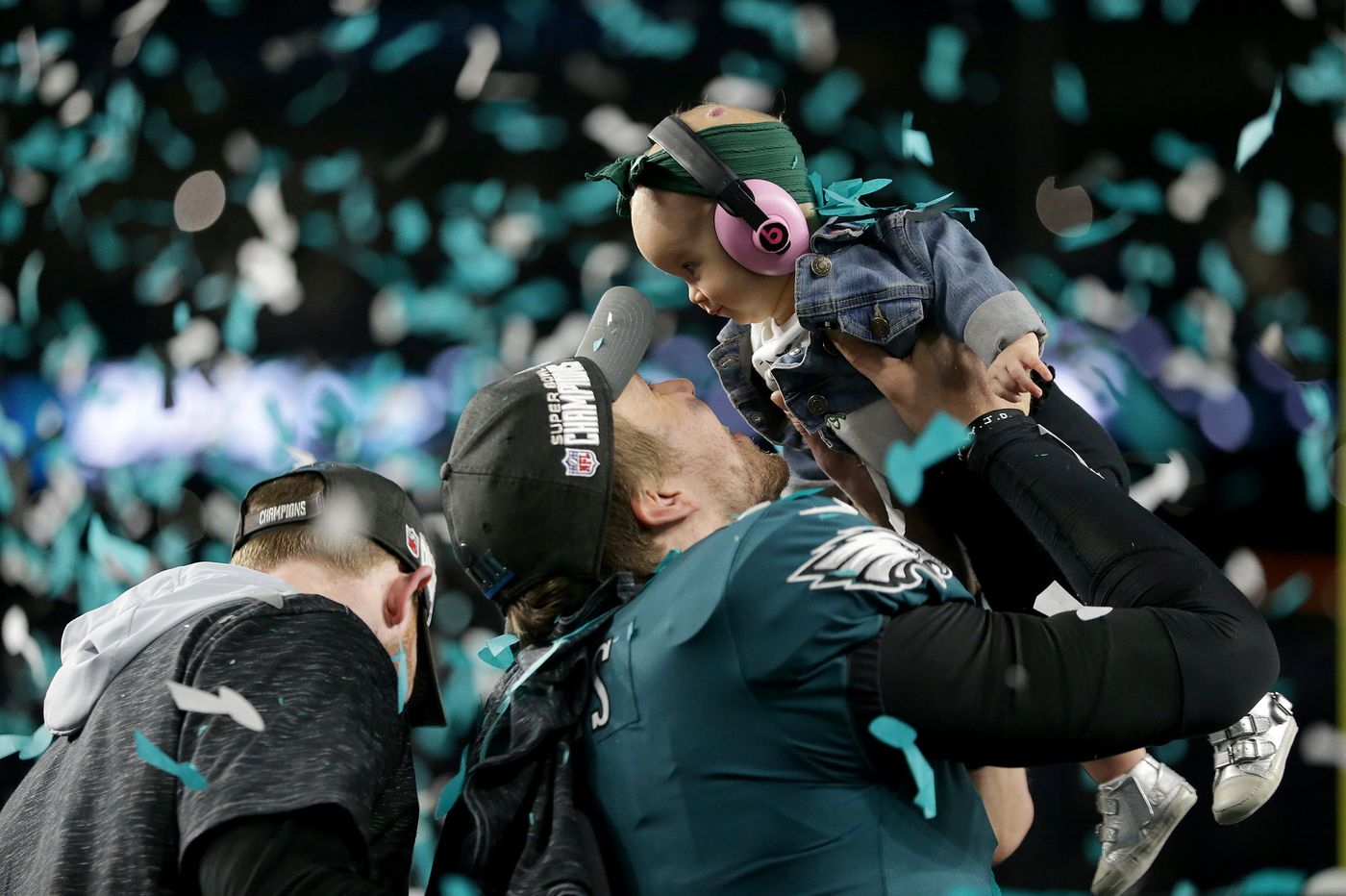 Nick Foles chose between the Eagles and Buccaneers in March 2017. His daughter helped bring him to Philly.
