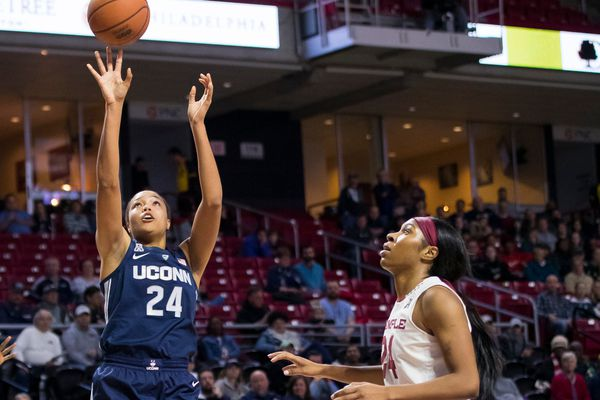 UConn rolls over the struggling Temple women's basketball team