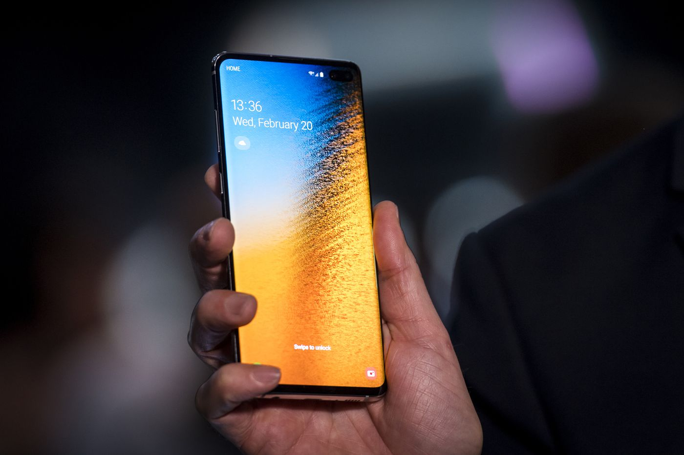 How Samsung's new Galaxy S10 compares to the iPhone XS Max