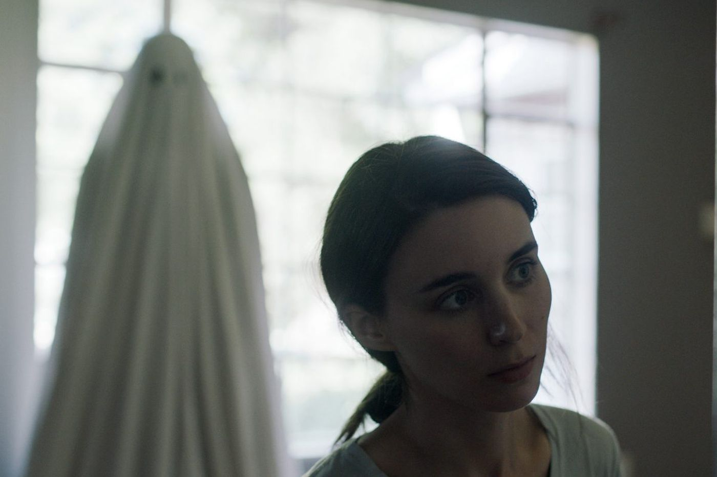 Casey Affleck gives a really sheety performance in 'A Ghost Story'
