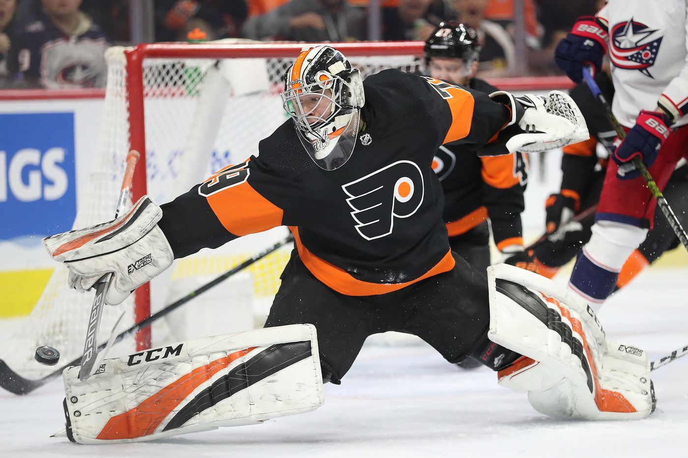 Carter Hart now Flyers' No. 1 goalie as Michal Neuvirth's injury forces team to claim backup