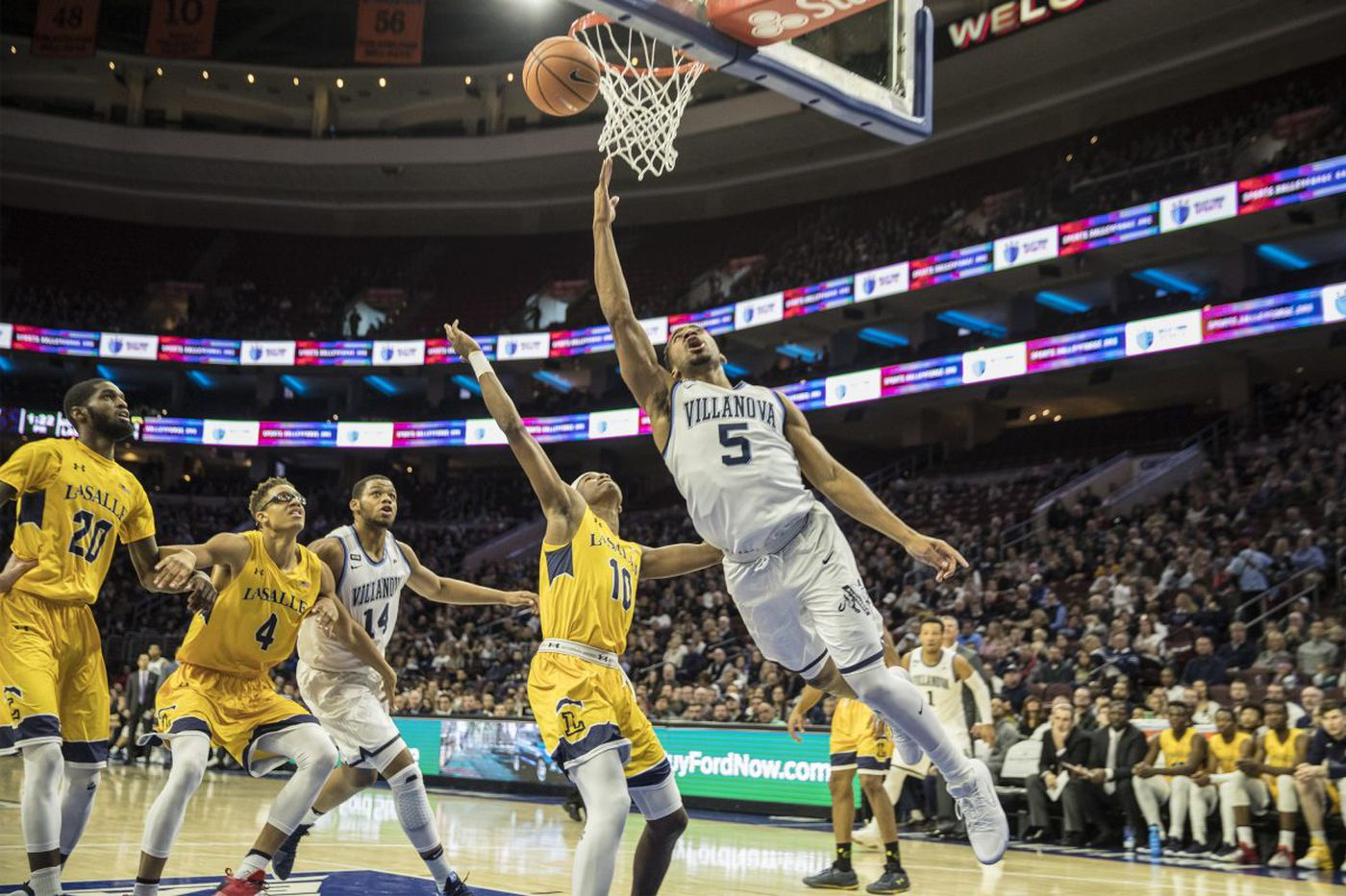 Villanova pushed to the limit by La Salle but wins, 77-68