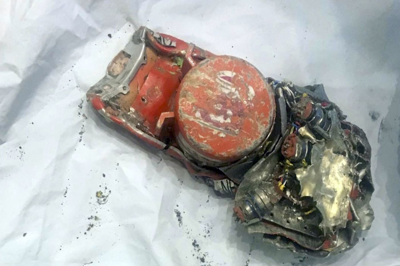 French start analysis of Ethiopian Airlines black boxes from Boeing 737 Max 8 as new evidence appears