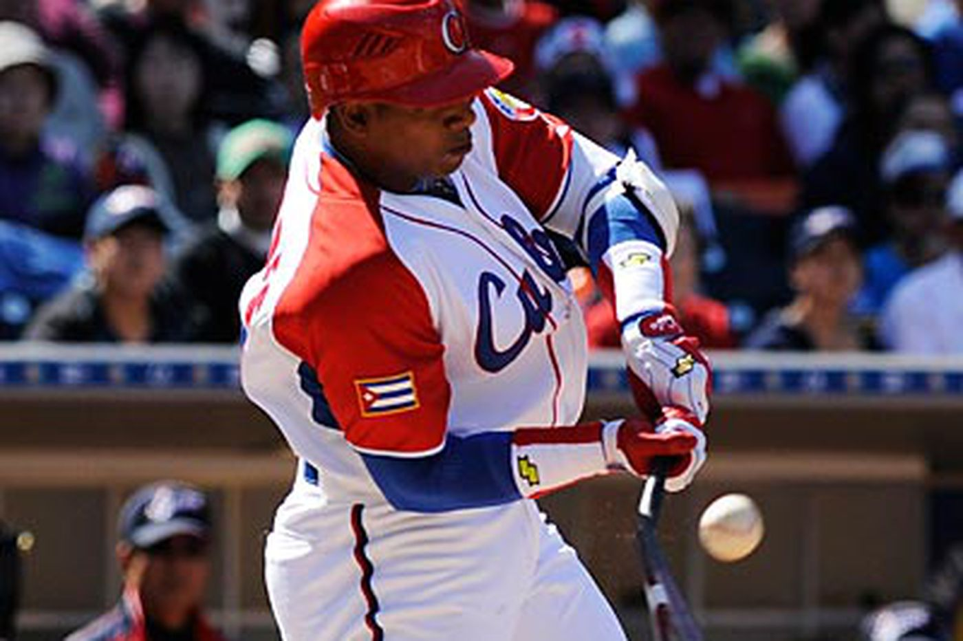 Inside the Phillies: Will Phillies bid for two young Cuban sluggers?