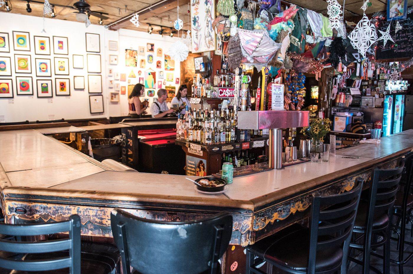 Forget BYOB. These are bars where you can BYOF (Bring Your Own Food)