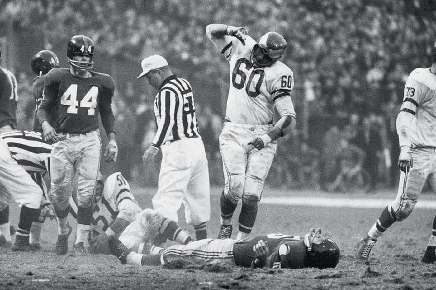 Chuck Bednarik, Frank Gifford, and the collision that still reverberates, 60 years later | Mike Sielski