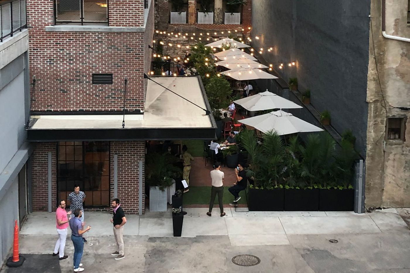 Center City's private Fitler Club opens an outdoor cafe to the public
