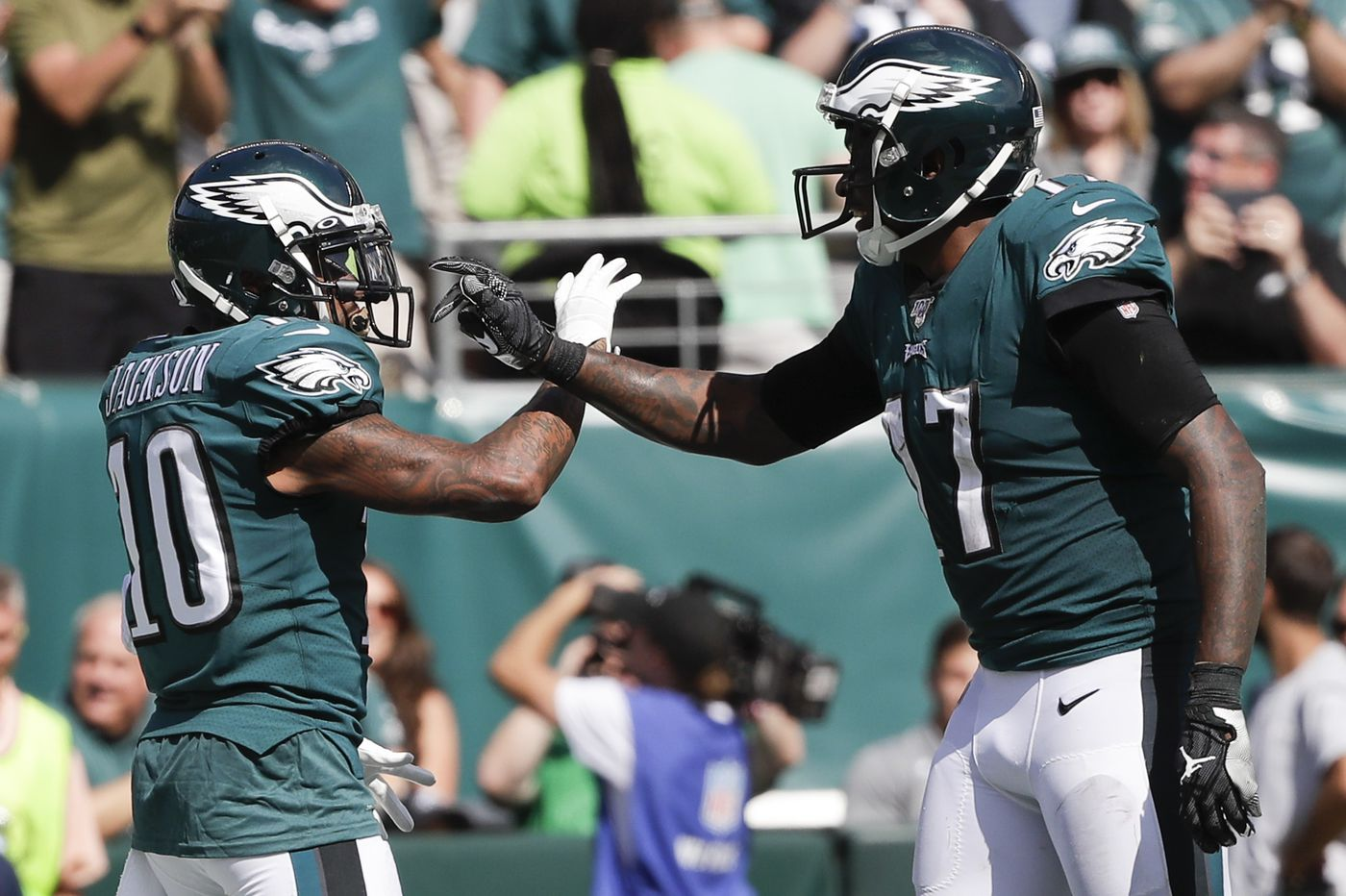 DeSean Jackson, Carson Wentz lead Eagles to 32-27 victory over Redskins in season opener