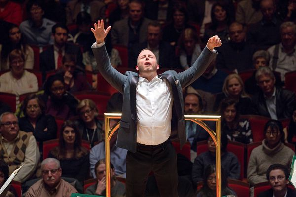Philadelphia Orchestra reaches early labor pact with musicians