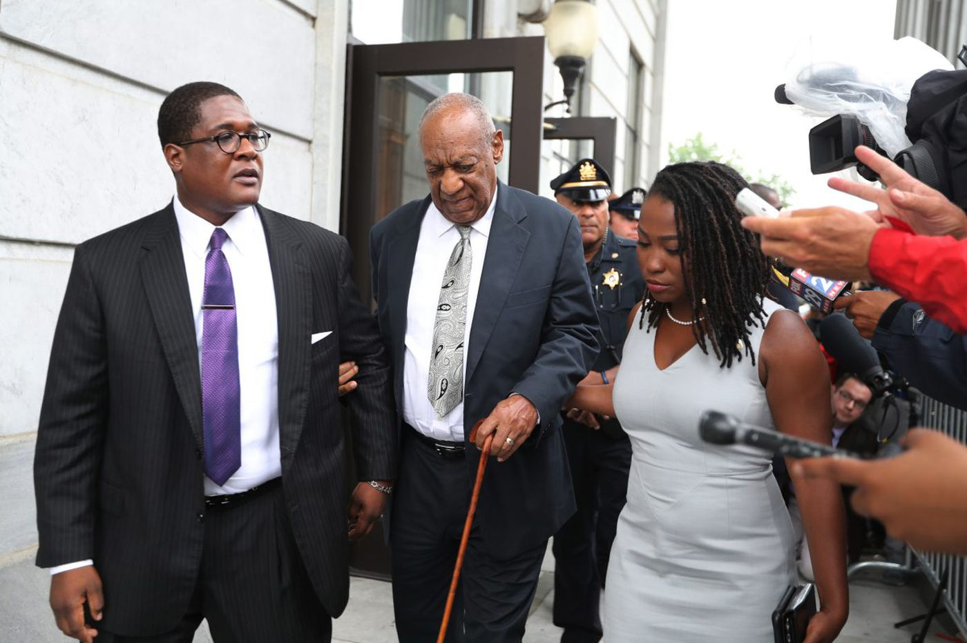 Cosby's only criminal sex-assault case ends in hung jury, mistrial