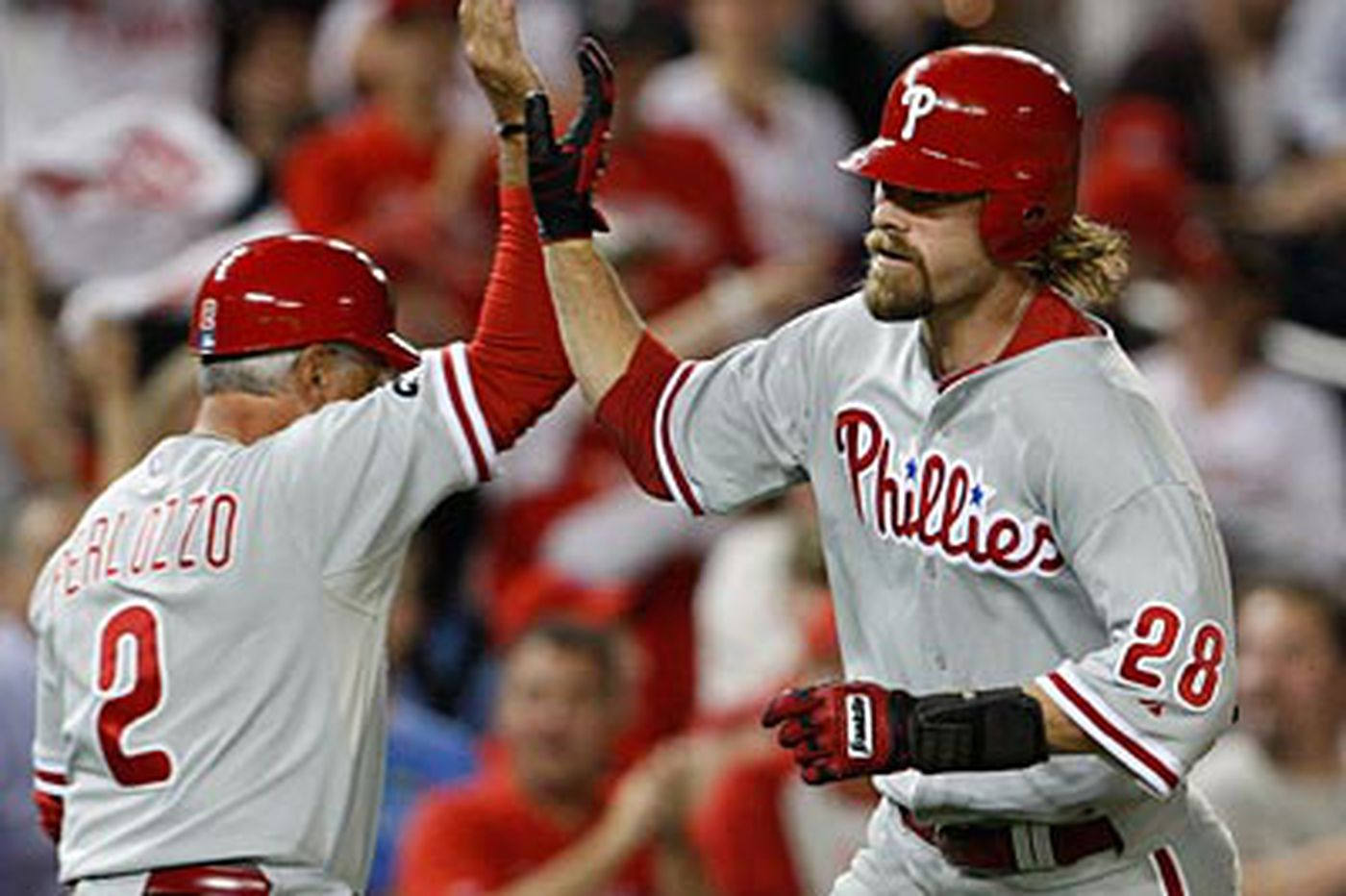 Phillies clinch fourth consecutive NL East title with 8-0 win at Washington
