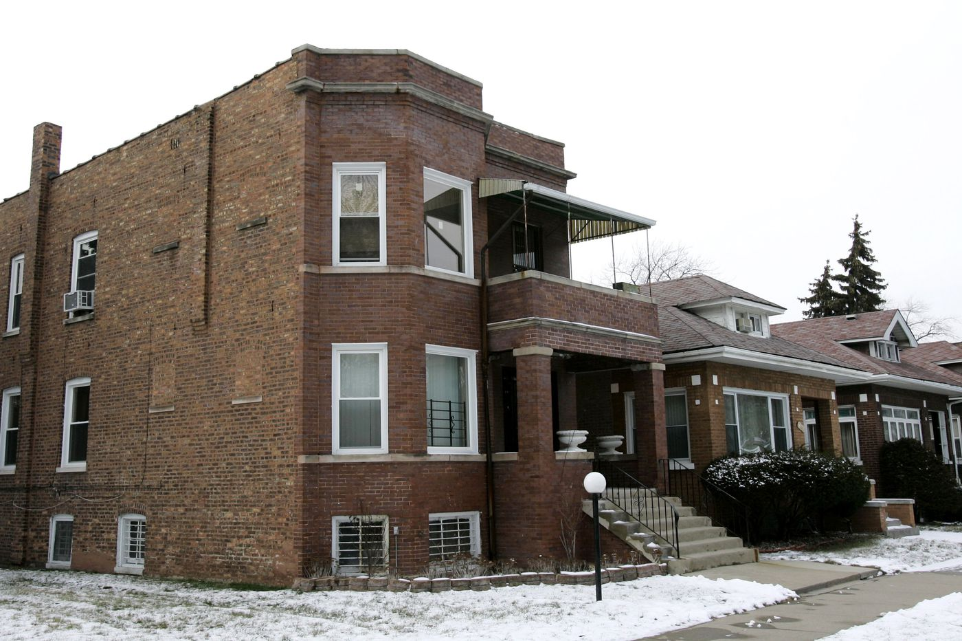 Al Capone family home in Chicago sells for $226,000 — double the asking price