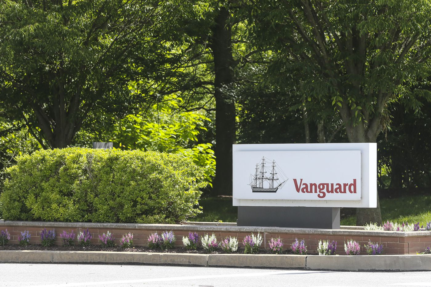 Investing gets even cheaper: Vanguard cuts ETF commissions