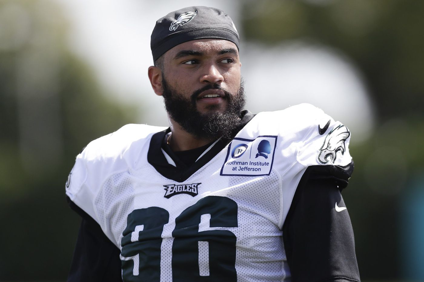 After solid rookie season, Derek Barnett is in a rush for a second move at defensive end