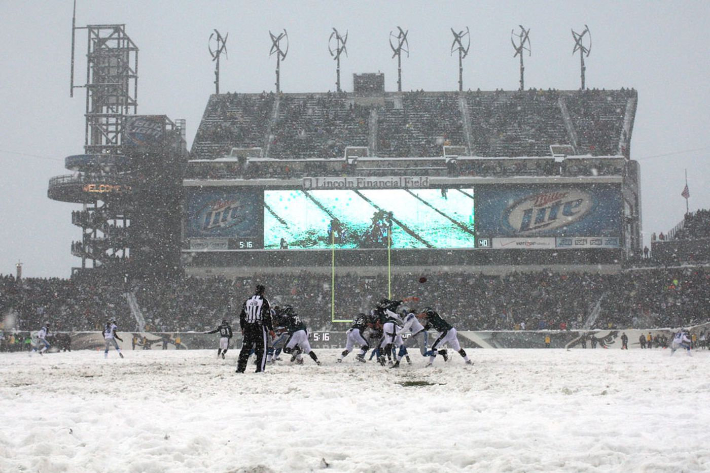 No blizzard during the Lions' visit to the Eagles this time | Early Birds