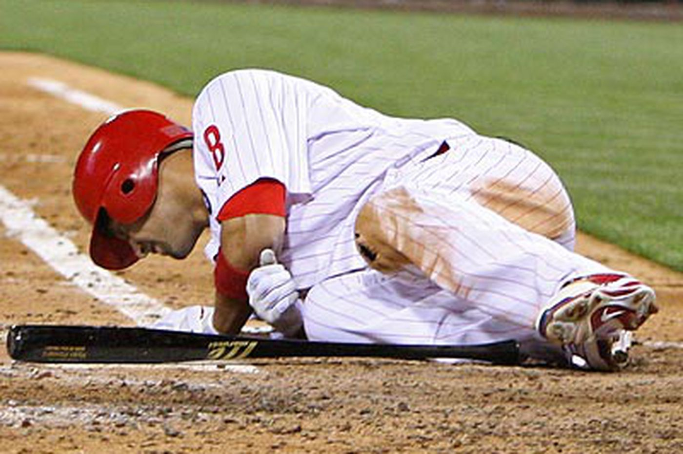 Phillies Notes: Phillies resist putting Victorino on disabled list