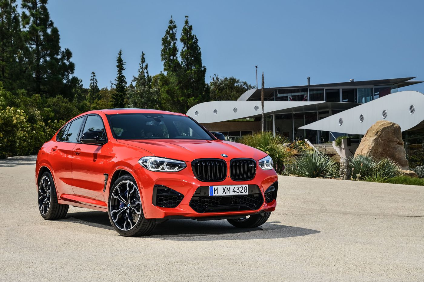 2019 BMW X4M: A hot-rod hatchback crossover