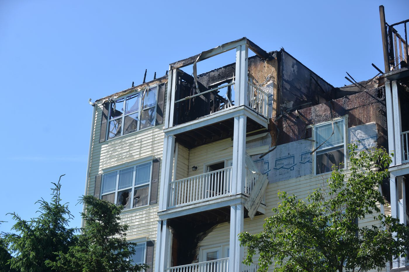 Chesco apartment building fire displaces dozens of residents