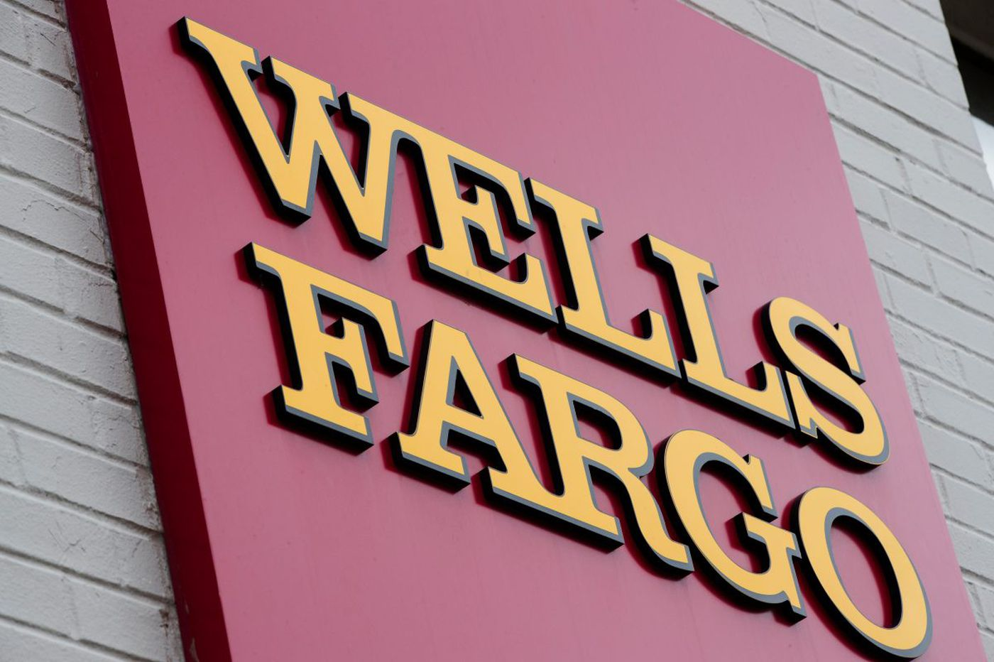 Wells Fargo accused in suit over suspected fraud