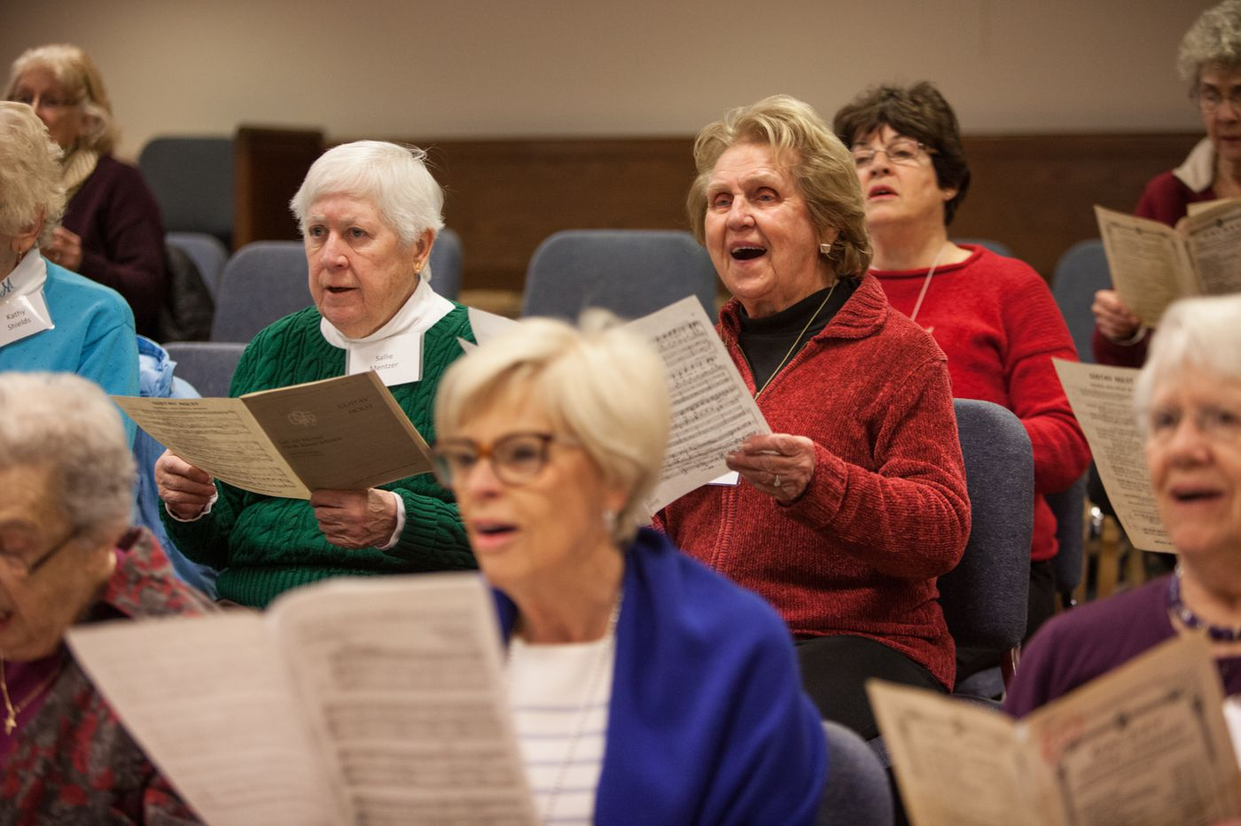 Singing in a choir may be one key to health, happiness for older adults