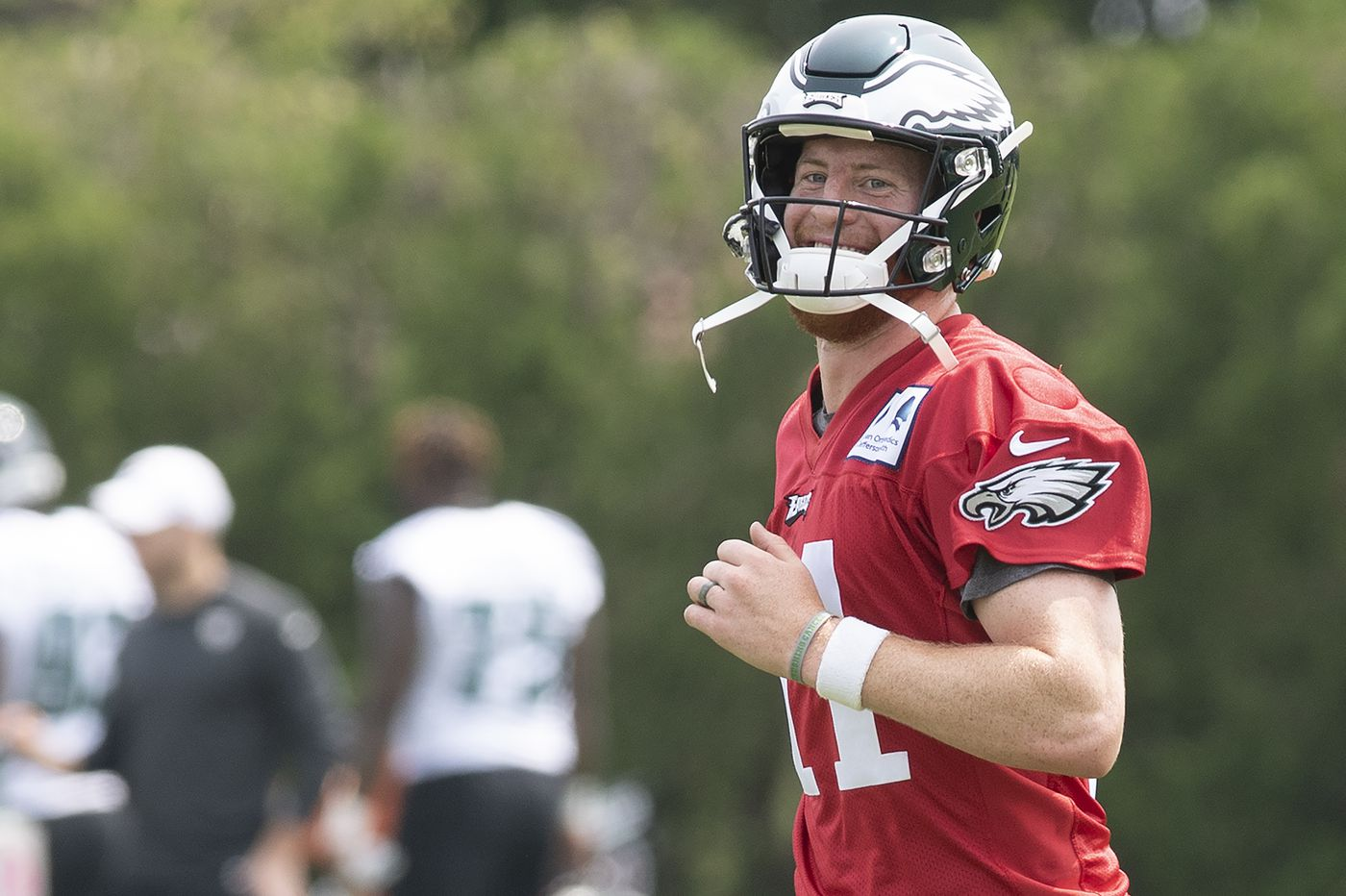 Carson Wentz, Eagles agree to four-year contract extension