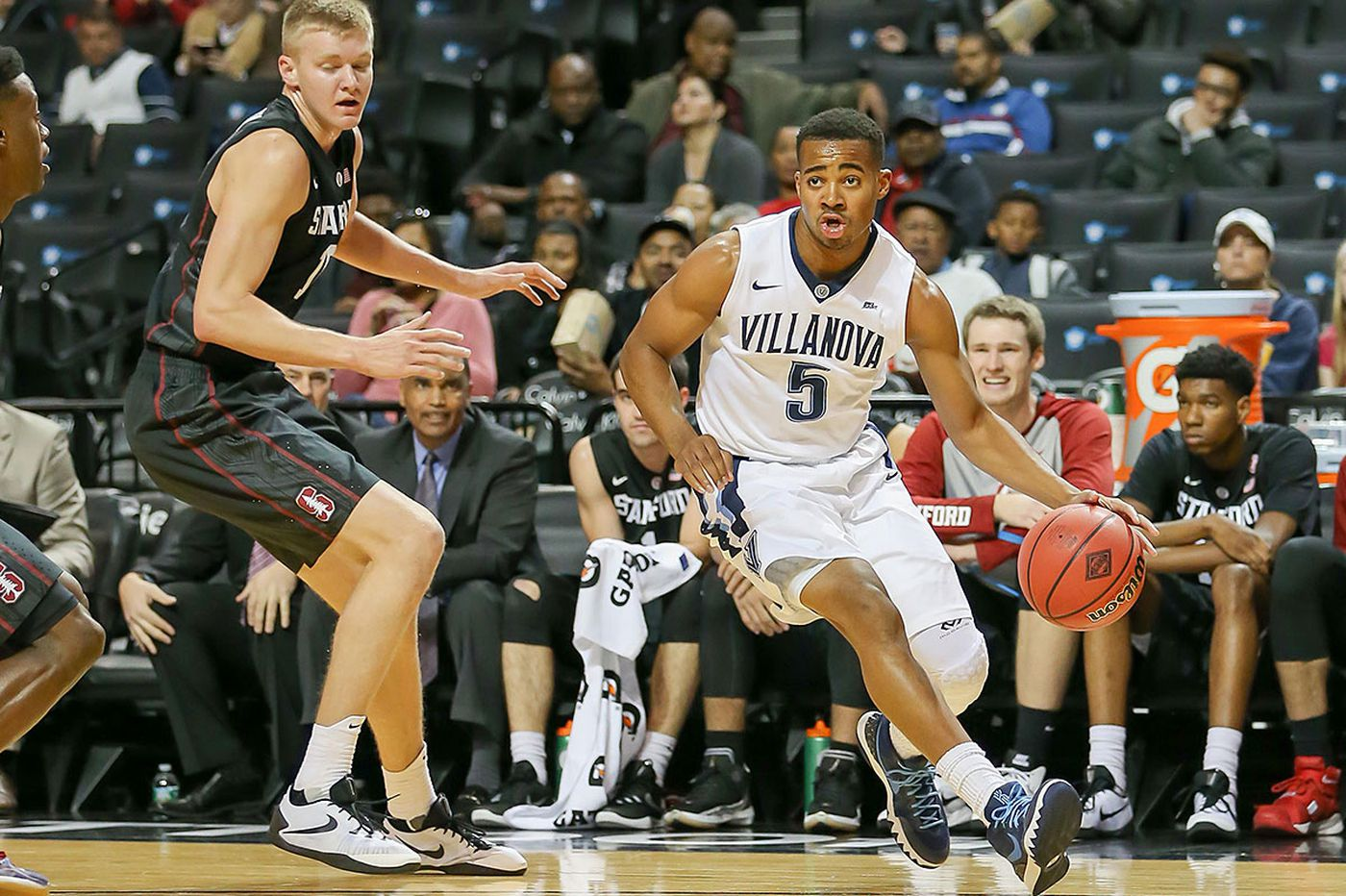 No. 8 Villanova beats Stanford, improves to 5-0