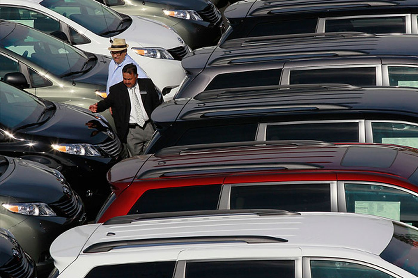 November ends with a rise in auto sales