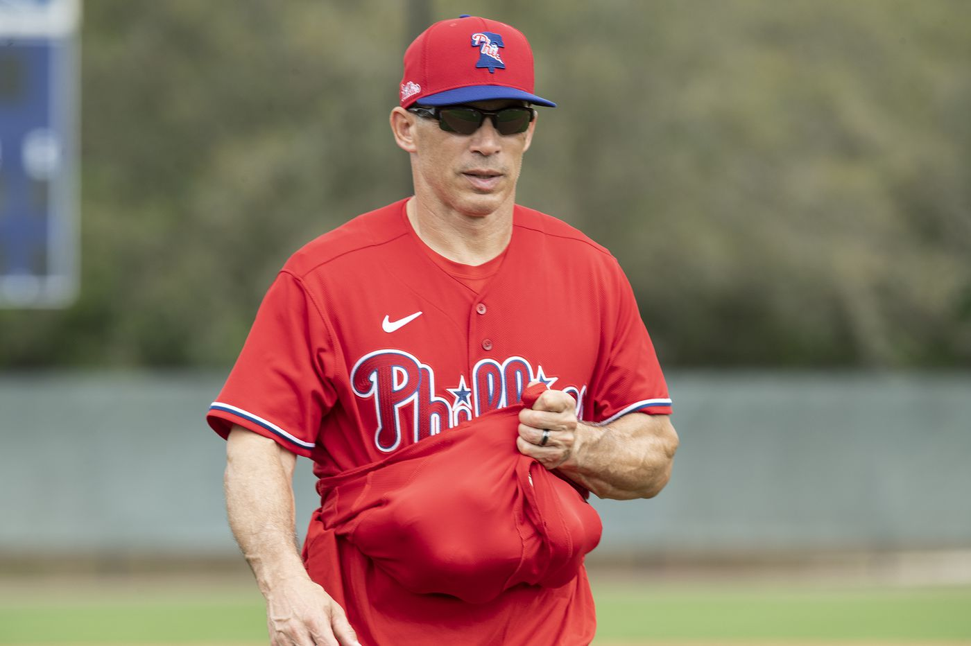Phillies manager Joe Girardi says controversial video clip was about his Yankees catching the cheaters, not doing the cheating