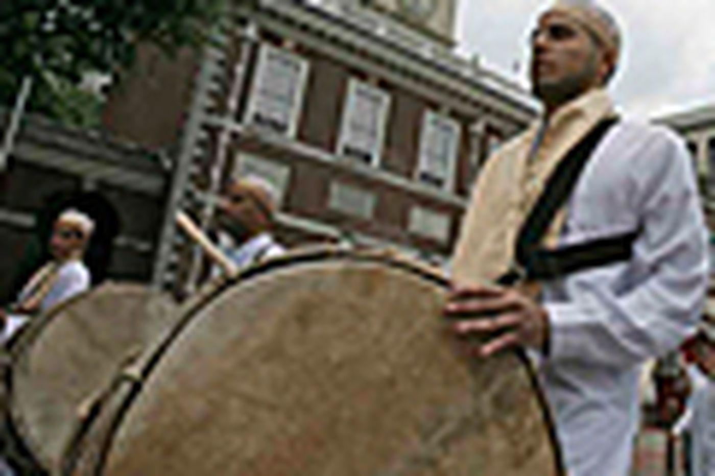 Muslims in Philadelphia celebrate Islamic heritage