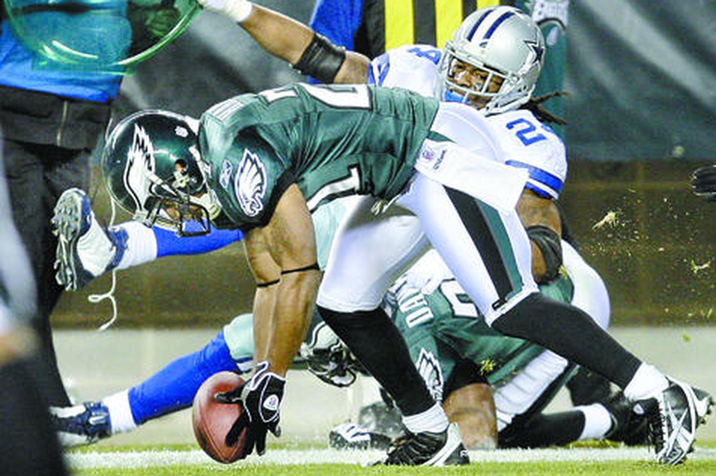 Defense scores big for Eagles